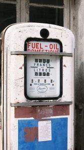 oil-pump-477693_640