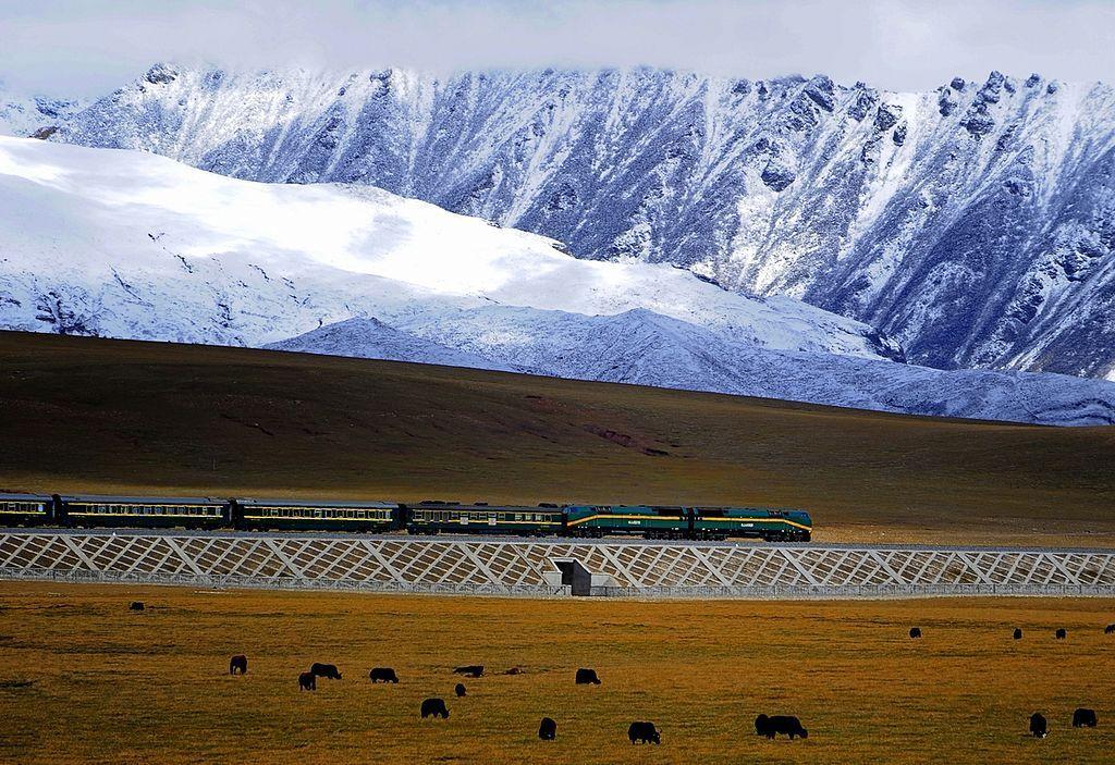 1024px Qingzang railway Train 01
