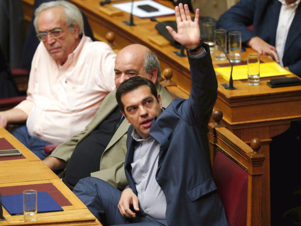 Parlamento griego vota rescate