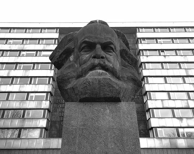 Superestructura Marx Definición Qué Es Y Concepto
