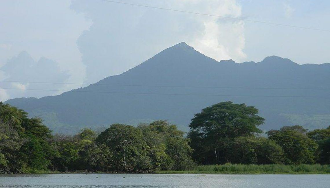 800px Mombacho Volcano   View from Nicaragua Lake